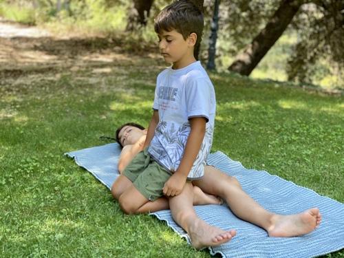 yoga mindfulness online familia